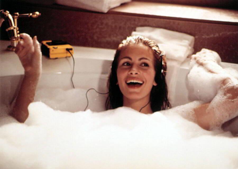 Пробуждаемся: 5 средств для душа и ванны, которые совершенно точно взбодрят вас