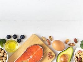 6 причин не исключать из рациона белки, жиры и углеводы (все нужны организму)