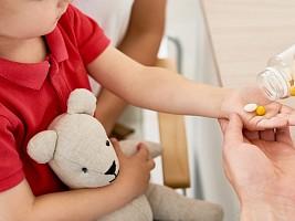 Витамины для детей: добрые помощники или серьезные препараты?