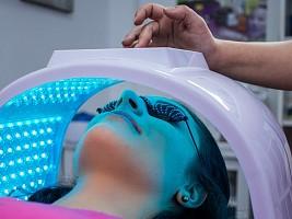 Что нового в аппаратной косметологии: эксперт разобрала актуальные и устаревшие методики